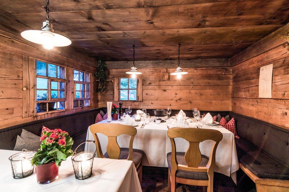Hornberg-gstaad-saanenmoeser-huettli-fondue-2017