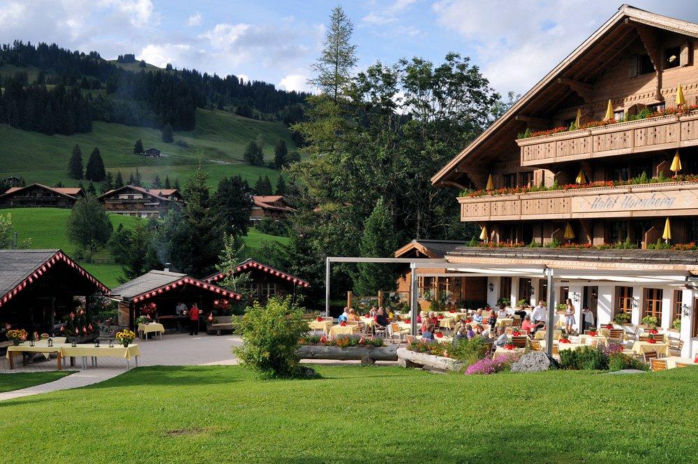 Hornberg-saanenmoeser-gstaad-feiern-geniessen-romantik-sonnen-terrasse